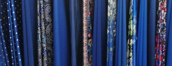 tissu-habillement-bleu-solde-hiver-2020