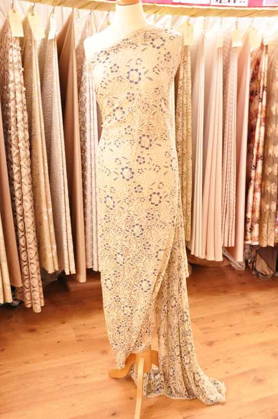 tissu-habillement-beige-clair