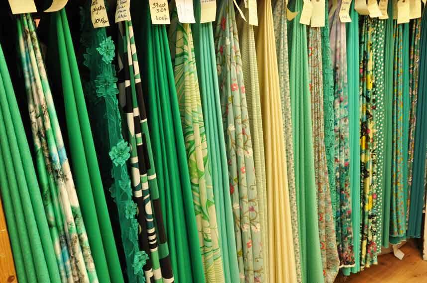 tissu-habillement-ton-de-vert
