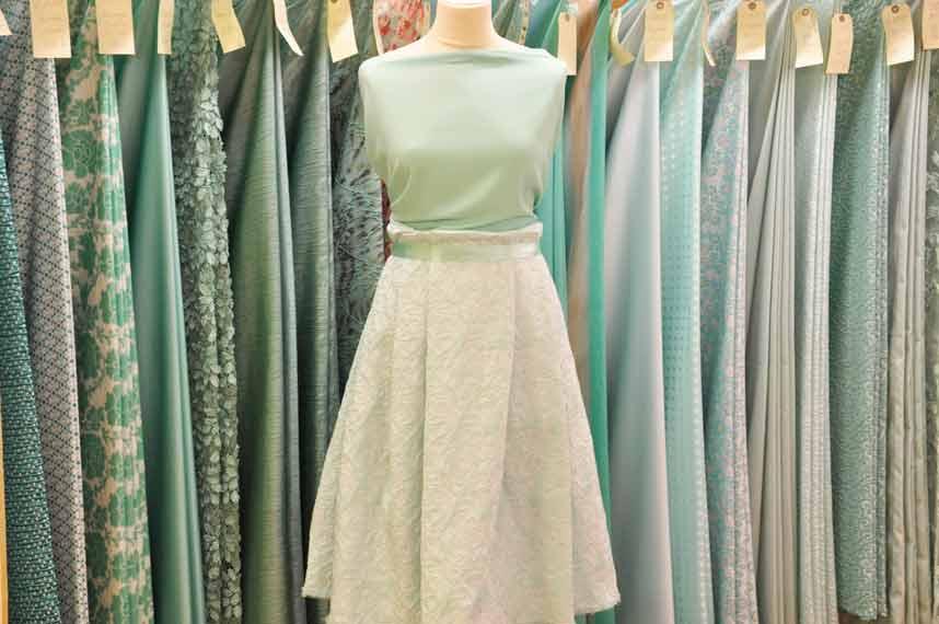 tissu-habillement-vert-clair